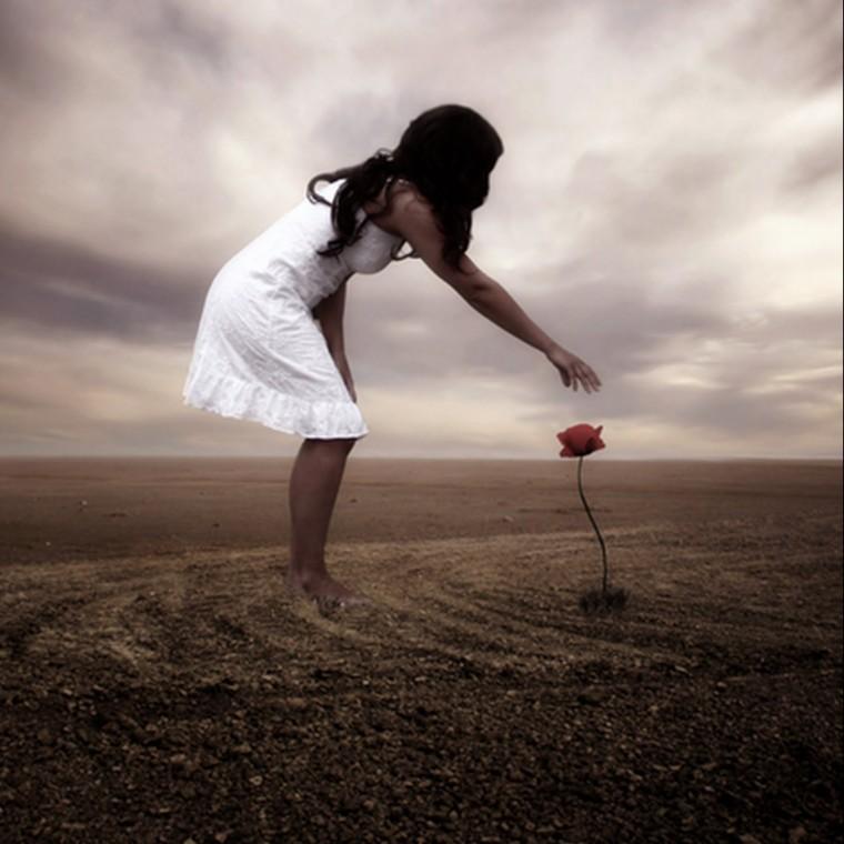 sozinha com a flor