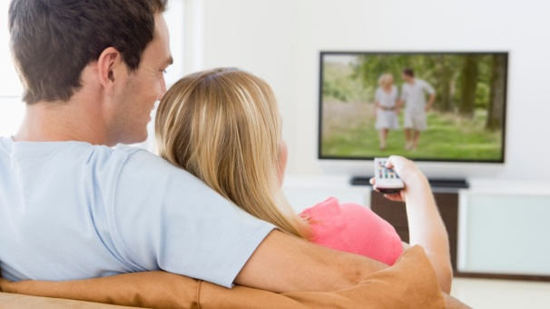 casal-assistindo-filme.jpg